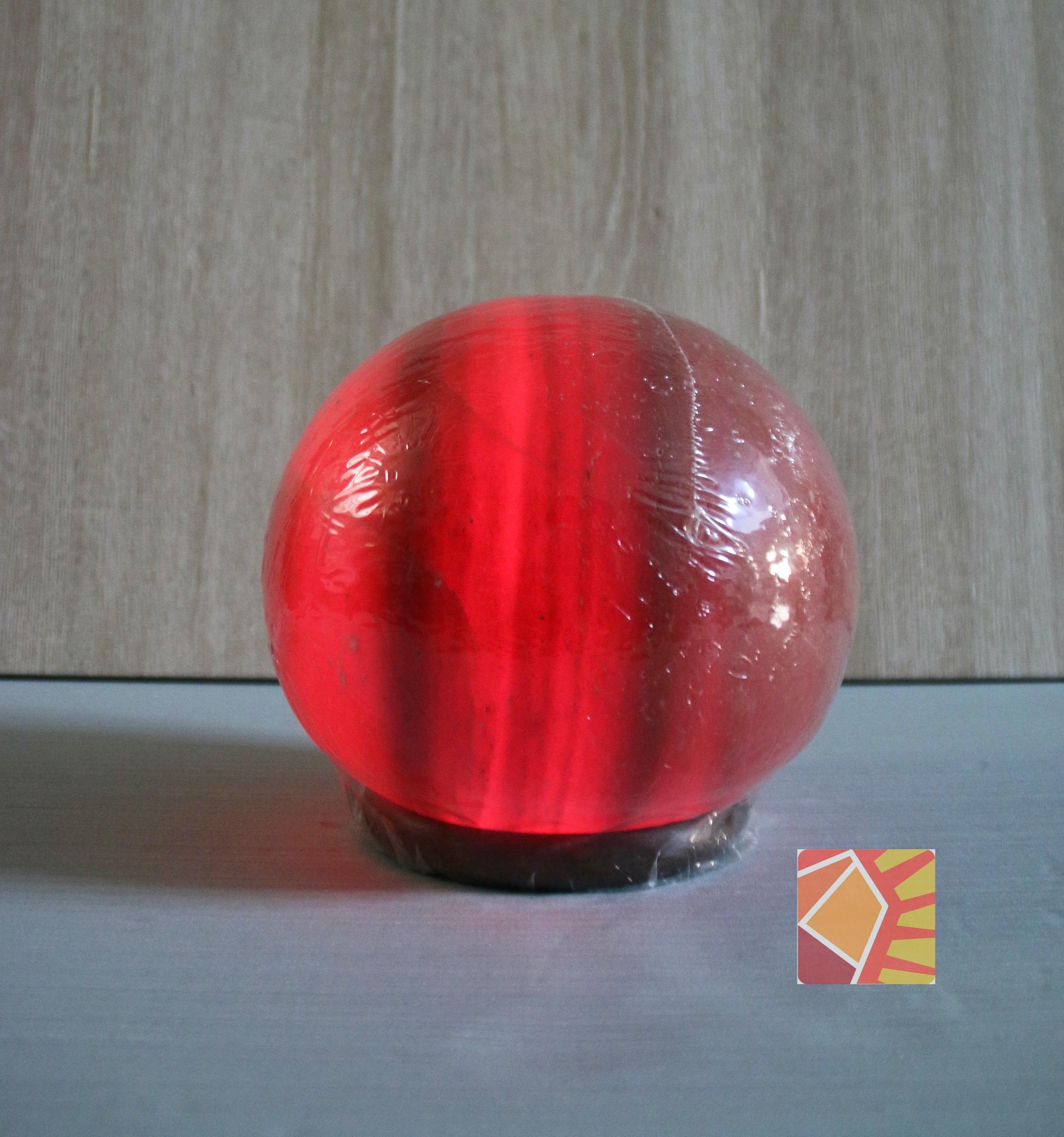 <有球必應> 鴿血紅圓球8吋造型鹽燈