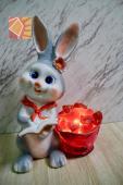 雙喜天灰兔兔--紅領巾盆栽造型